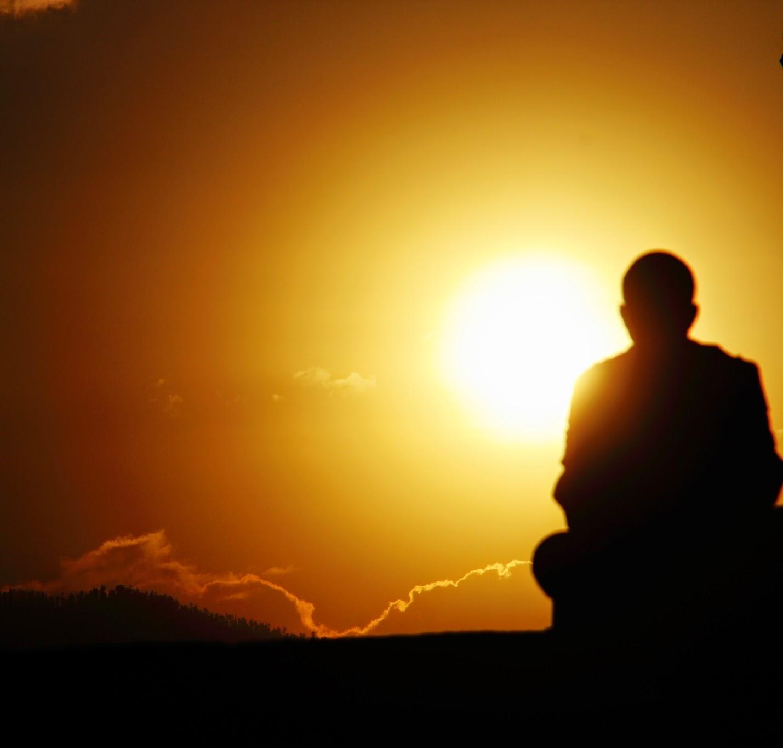 Niệm Phật Phải Như Gạo Bỏ Vào Bình Báu