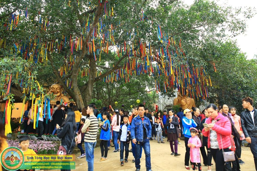 Hàng vạn người về tham dự Hội Xuân An Lạc Tại Chùa Khai Nguyên Lần Thứ 1