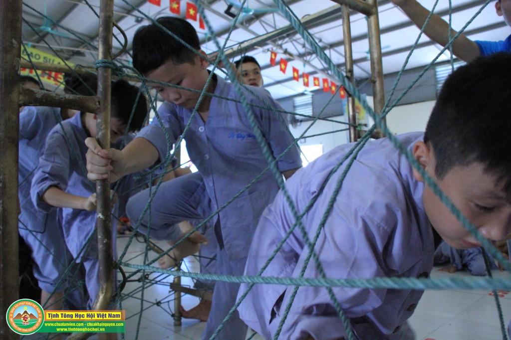 cuocdua vuotchuongngaivat0041