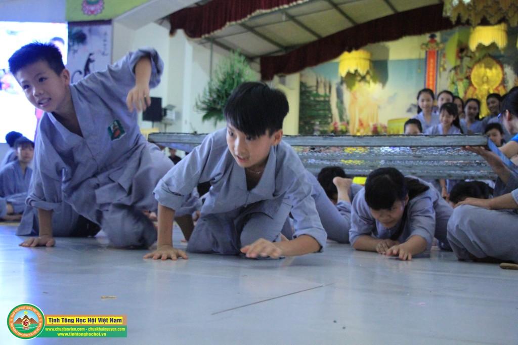 cuocdua vuotchuongngaivat0053