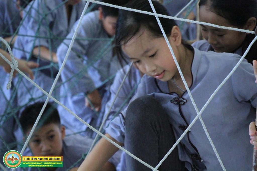 cuocdua vuotchuongngaivat0099