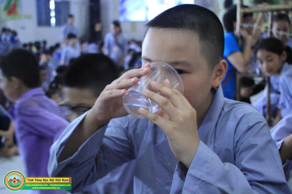 cuocdua vuotchuongngaivat0156