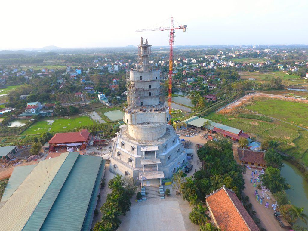 Đại tượng Phật nhìn từ Flycam theo hướng trực diện