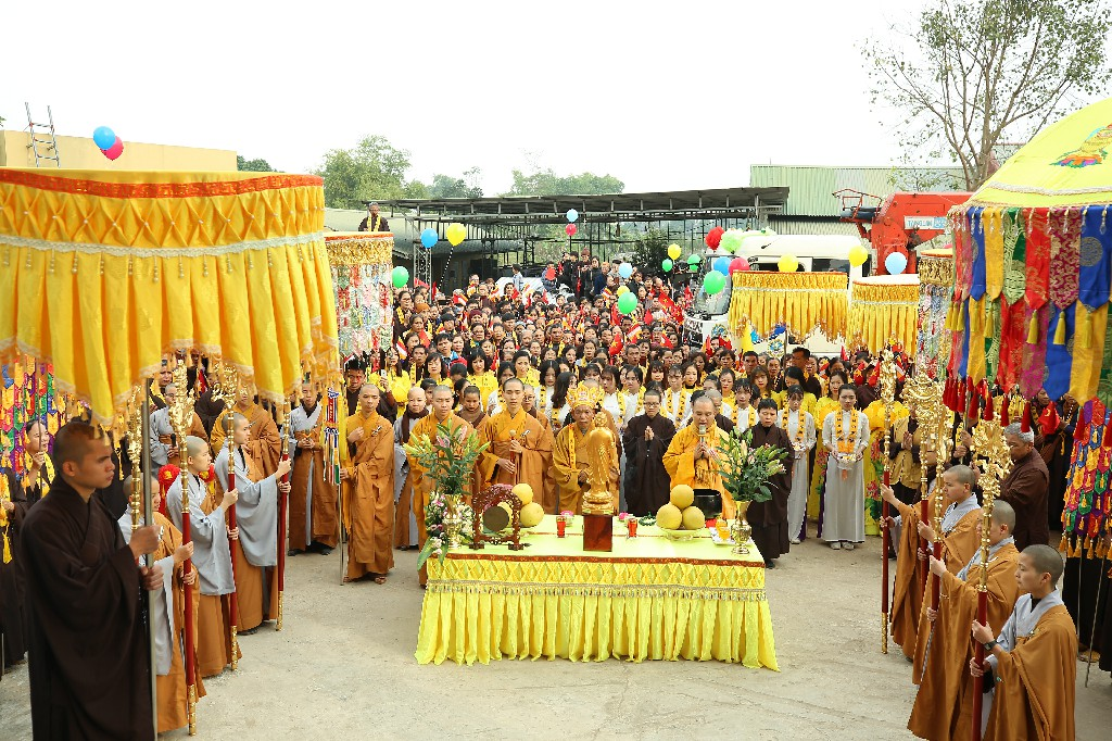 Lễ Cung Rước Phật Ngọc A Di Đà Vì Hòa Bình Thế Giới