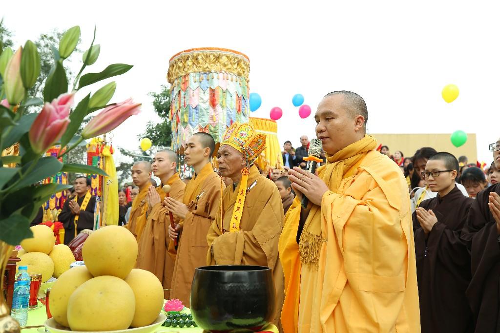 ruoc tuong ngoc A Di Da Phat tai Chua Khai Nguyen 2019 99