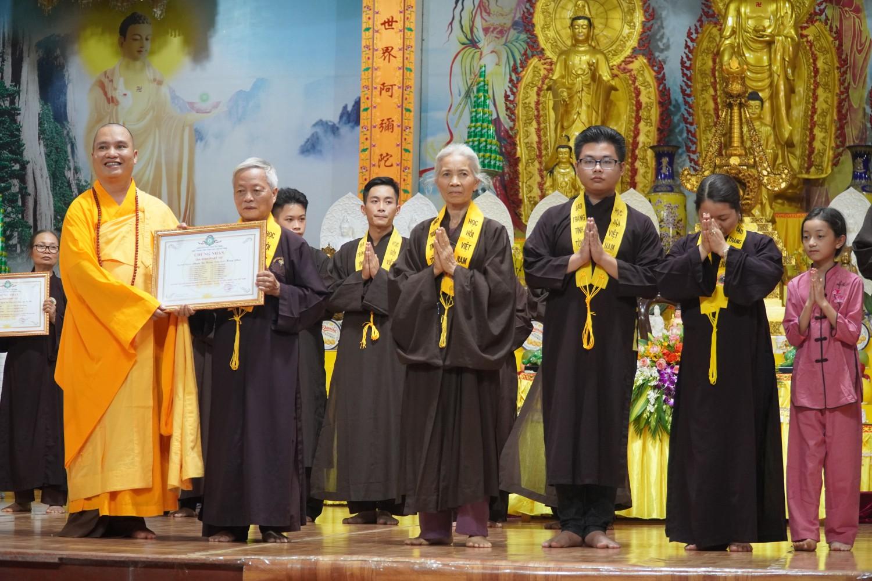 Hà Nội: Chùa Khai Nguyên tổ chức lễ ra mắt và trao giấy chứng nhận Gia đình Phật tử, và Pháp hội Địa Tạng Tháng 05