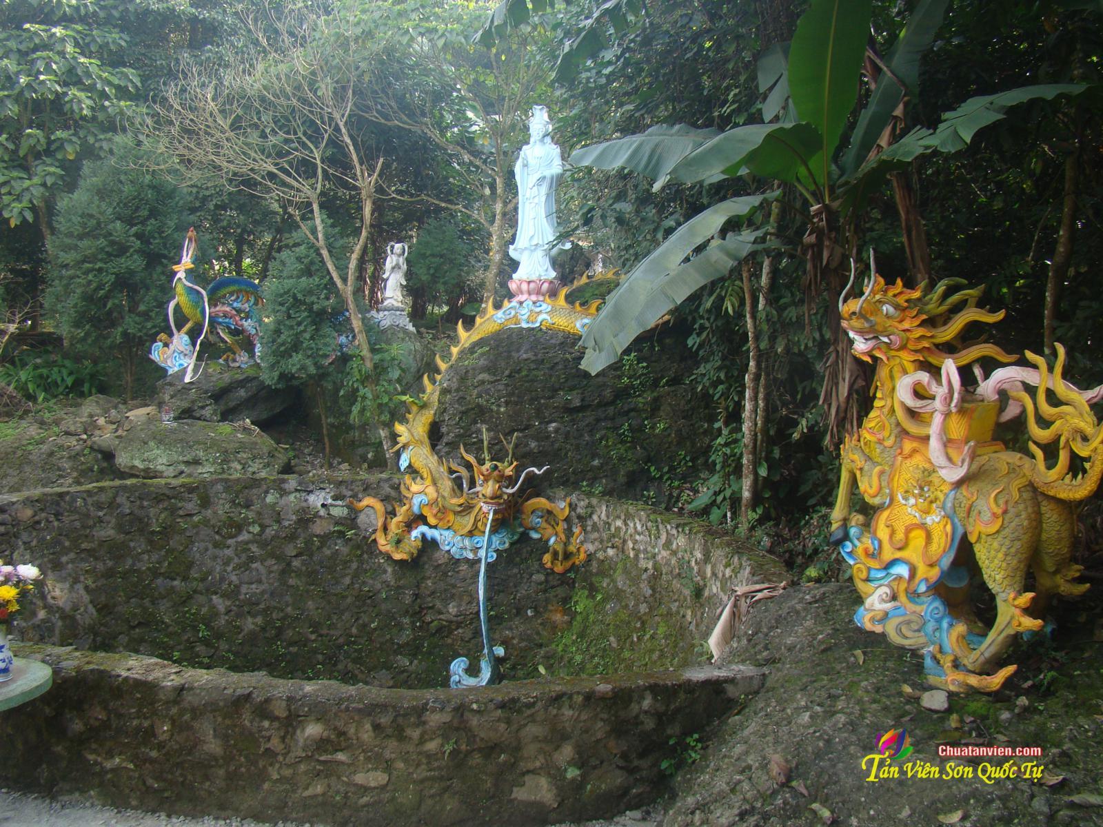 Ba lần nhìn thấy hào quang Phật và sự linh ứng ở Giếng Quan Âm.